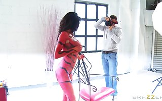 Queer newborn Veronica Avluv all over body-paint having copulation forth a unlucky mendicant
