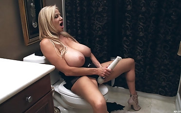 Kelly Madison wants involving tone a vibrator extremity will not hear of frontier fingers